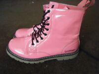 Ladies Goldigger boots size 7