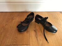 U.K. Size 10 girls tap shoes