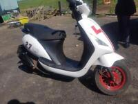 Sinnis street 50cc scooter