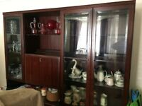 Display cabinet in very good condition.