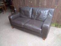2 x Leather Sofa 3 seat and 2 Seat Delivery available £35 for both