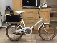 Raleigh shopper bike 1980s vintage. 3 Gears. Fully Working