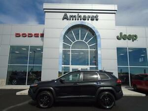 2016 Jeep Cherokee TRAILHAWK w/ Gold Plan