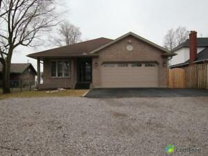 $949,000 - Bungalow for sale in Port Dover