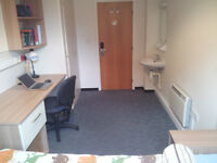 1 person furnished student bedroom - av. 22May till 9 July - 113pw - duvet and sheets included