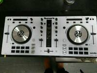 Numark Mixtrack Pro 3 Limited Edition In White