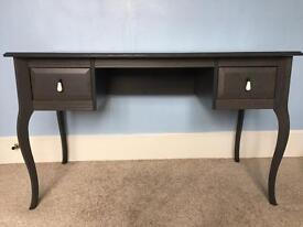 Makeup large desk