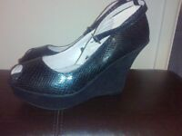 NEW Vintage Style Peep Toe Black Ankle Strap Shoes Snakeskin and Suede size 6