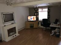 3 Bedroom Mid Terrace House to let - Gilfach Bargoed