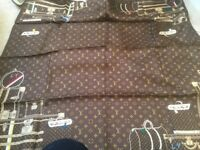 LOUIS VUITTON SCARF - Authentic