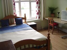 SPACIOUS CLEAN/NICE DOUBLE BEDROOM TO RENT