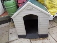 Dog kennel - strong plastic - easy to assemble and dismantle