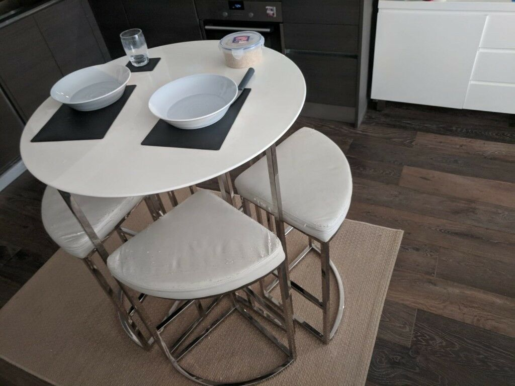 Dwell Gloss White Orbit Dining Room Kitchen Table Set Inc 4 Chairs