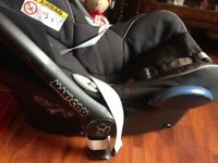 Maxi cosi baby car seat with AIRBAG and cabriofix 0 to 13 Kg colour grey/black