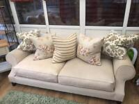 Great condition 3. Seater and 2. Seater Furniture