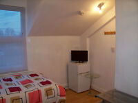 Lovely Double Room for Single Professional All Bills & Council Tax included SE136HN ZONE 2/3