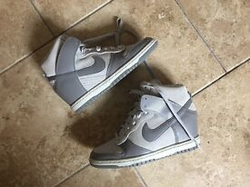 Nike wins high tops sz 4.5 brand new