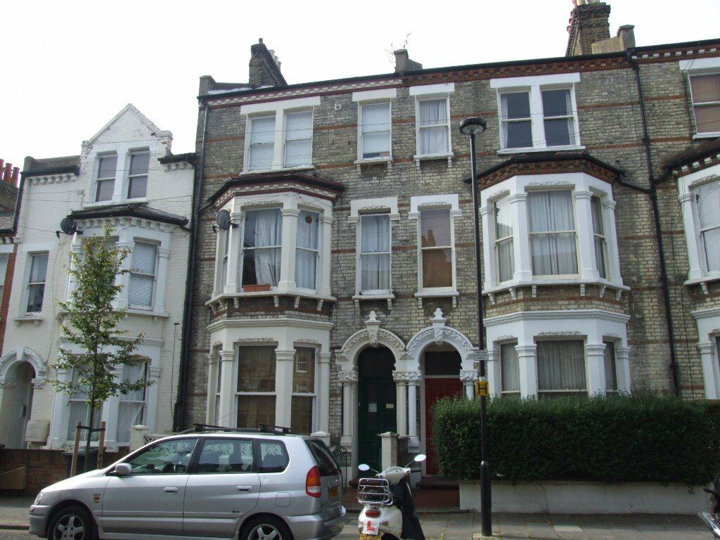 Three Bedroom Victorian Conversion With a Perfect Loaction on Clapham High Street