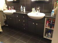 Double sink bathroom vanity unit