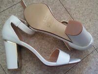 Quiz new white block heels