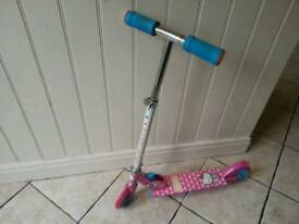 HELLO KITTY CHILDREN'S TWO WHEEL SCOOTER *GREAT CONDITION*