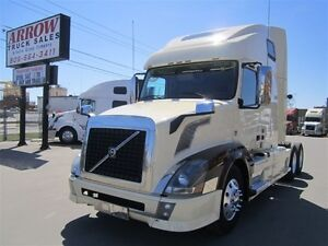 2013 volvo VNL670 500HP LEATHER SEATS FULLY LOADED