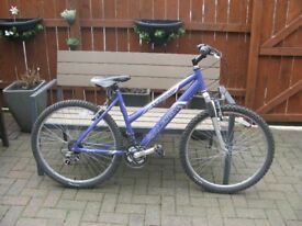 LADIES 26 INCH PURPLE BIKE FOR SALE WITH shimano gears 25 pounds