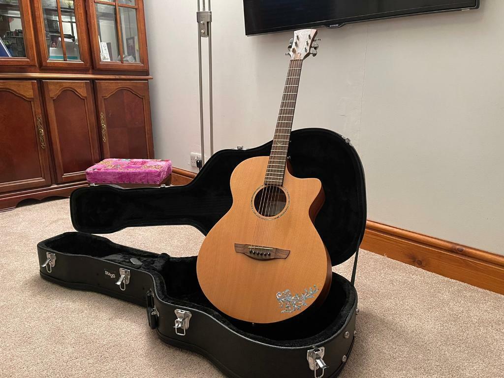 FAITH NAKED VENUS electro-acoustic guitar   in Epworth