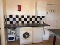 Studio flat in Wellington Road, Bilston, WV14