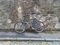 Green Bicycle with 7 gears, very good condition