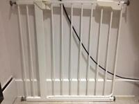 2x Lindam Extendable Stair Gates