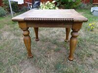 SOLID OAK CAFE TABLE W 60 X L 70X H 60 CM EXCELLENT CONDITION