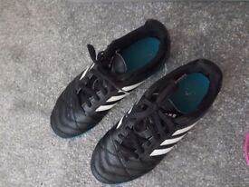 Adidas astro turf football trainers size 4