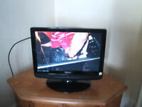 19 inch lcd tv/dvd with original remote,please read listing