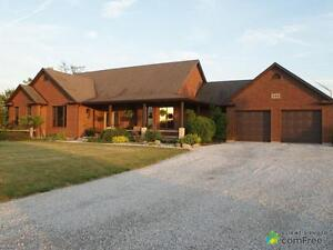 $659,000 - Country home for sale in Cottam