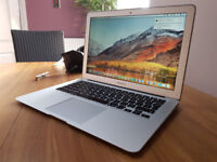 2015 Apple MacBook Air 13 inch (Only 100 on battery cycle)