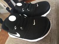 Brand new - kids Nike trainers - 7.5 - never worn