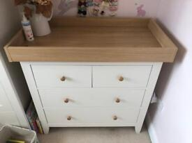 Mamas & Papas Chest of drawers Ivory & Oak effect
