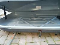 Large roof box. Excellent condition