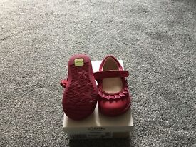 Clarks first shoes softly stef pink size 3.5 H