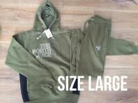 North face tracksuit size large