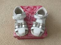 Lelli Kelli toddler sandals size 19 (3 1/2 )