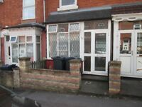 ***MUST VIEW**THREE BEDROOM - AVONDALE ROAD***IDEAL FOR A FAMILY***REFURBISHED/MODERNISED***DSS