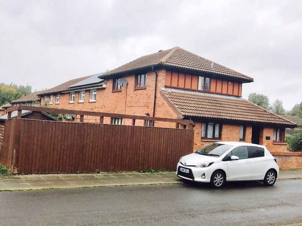 3 Bed House for Rent in Furzton
