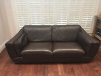 Beautiful Italian 2 piece dark brown leather suite by Natuzzi