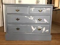 Dresser/drawers