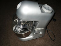 Andrew James 5.2 Litre Multifunctional Food Mixer & Blender in Silver.