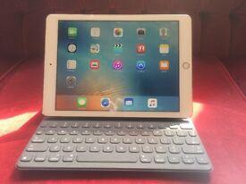 "New iPad Pro 9.7"" 256GB WiFi model + Smart Keyboard US"