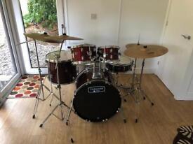 Mapex Tornado III Drumset with Zildjian ZBT Cymbal set