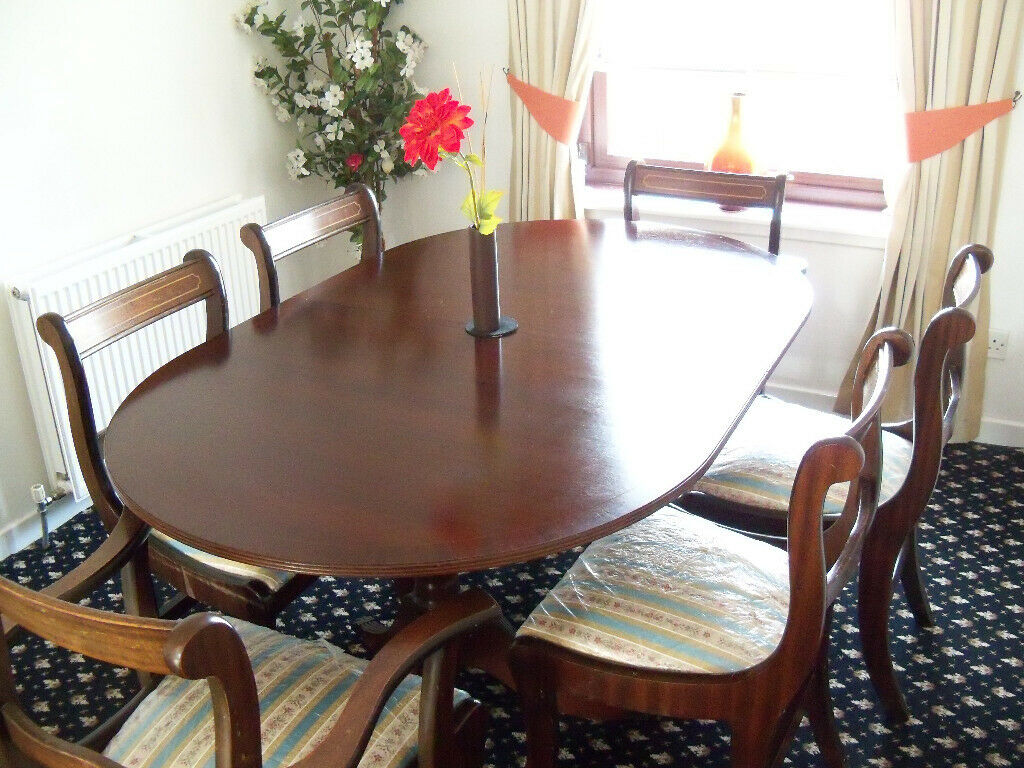 Dining Table And 6 Chairs Very Good Condition Hamilton